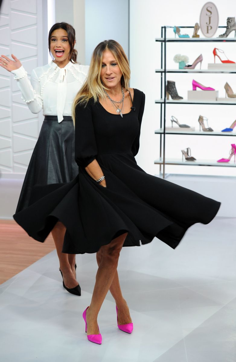 "NEW YORK, NY - SEPTEMBER 22: Rachel Smith and special guest Sarah Jessica Parker films an episode of Amazon's Live Stream Fashion and Beauty Show, ""Style Code Live"" on September 22, 2016 in New York City. The show will air Tuesday, September 27 at 9PM ET. (Photo by Craig Barritt/Getty Images for Amazon)"